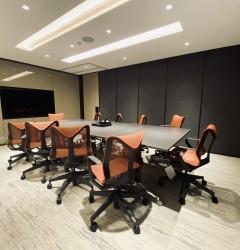 湾仔共享工作空间内的会议室